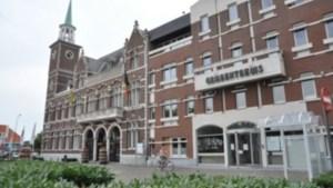 LIVE. De Maasmechelse gemeenteraad buigt zich over het verkopen en doorverkopen van gronden en percelen
