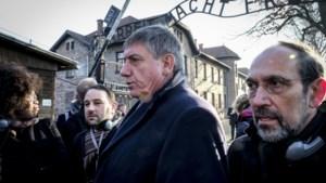 Jan Jambon wijst gebruik van joodse karikaturen op Aalst carnaval af tijdens bezoek aan Auschwitz