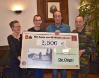 Kamp Beverlo schenkt 2500 euro aan De Oogst