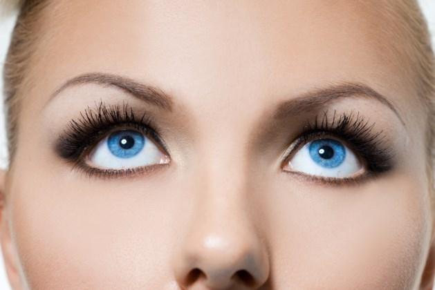 De make-uptrend: de DIY-wimperlift