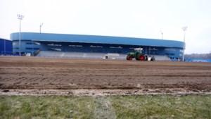 Nieuwe grasmat voor B-veld