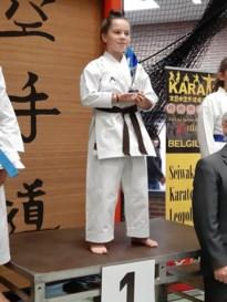 Zusjes Wittevrouw zetten mooie prestaties neer op Vlaams kampioenschap karate