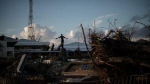 Koppige inwoners krijgen 24 uur de tijd om te vertrekken voor vulkaanuitbarsting op Filipijnen