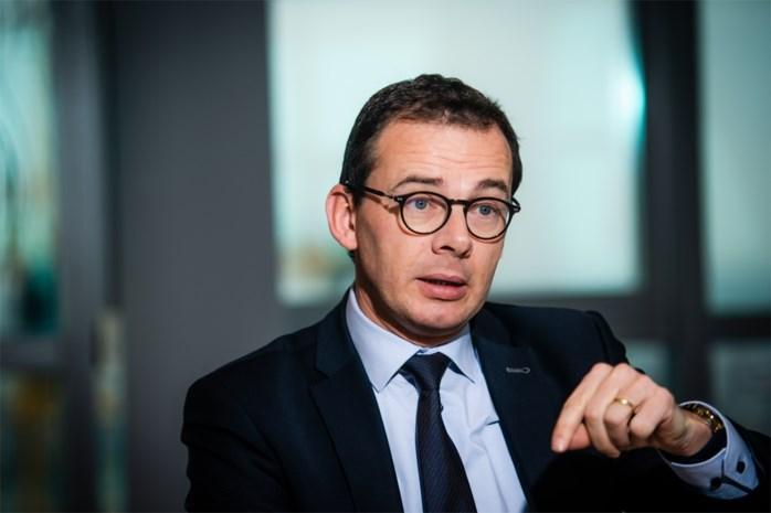 Hoe probeer je van 300 miljoen euro voor personen met handicap 1,6 miljard te maken?