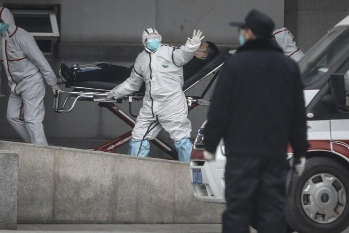 """China poogt wanhopig dodelijke virus te stoppen: """"De onzekerheid is enorm"""""""