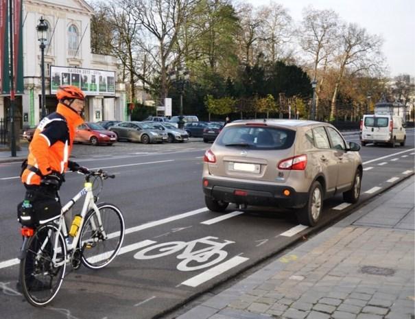 Agenten van de Brusselse fietsbrigade opzettelijk aangereden tijdens controle