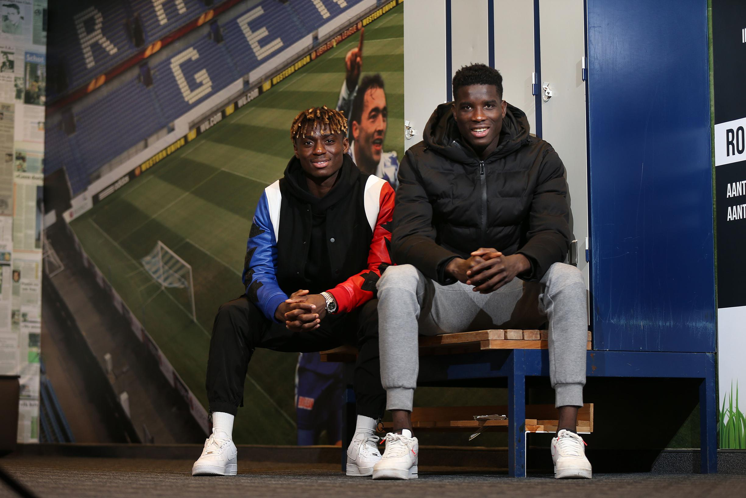 """Onuachu en Odey kijken met vertrouwen uit naar de match tegen Gent: """"Ja, we dansen graag, nu de Belgen nog"""""""