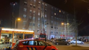 Bewoners van appartementsblok geëvacueerd na uitslaande brand in Genk