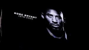 Nu al eerbetonen aan Kobe Bryant: beklijvende taferelen tijdens NBA-wedstrijd, Neymar maakt nummer 24 met handen