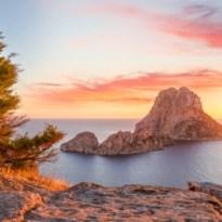 Gezocht: koppel dat op Ibiza wil wonen voor salaris van 2.300 euro