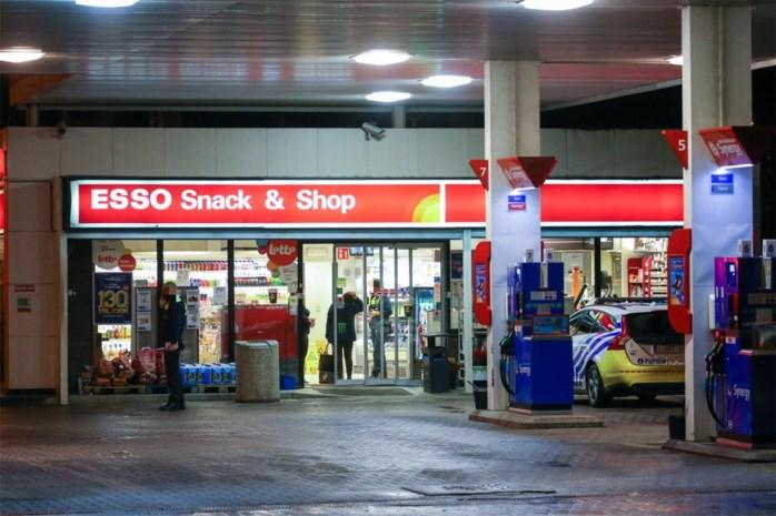 Esso-tankstation in Hoevenzavel overvallen door gewapende man