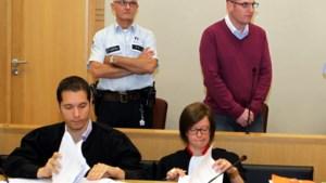 Hasseltse oudermoordenaar mag een paar uur de gevangenis verlaten