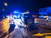 Frontale botsing in Kwaadmechelen: één bestuurder gewond