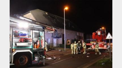 """Brand in appartementsblok in Bree: """"De schade is aanzienlijk"""""""