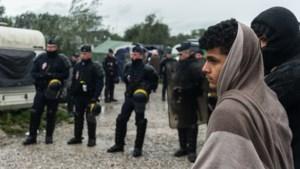 Opnieuw vluchtelingenkamp ontruimd in buurt van Calais
