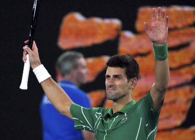"""Djokovic zet Raonic opzij en eert Bryant: """"hij was mijn mentor, mijn vriend"""""""