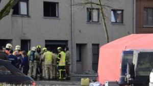 Vrouw (39) en man (42) overleden na zware woningbrand in Lot