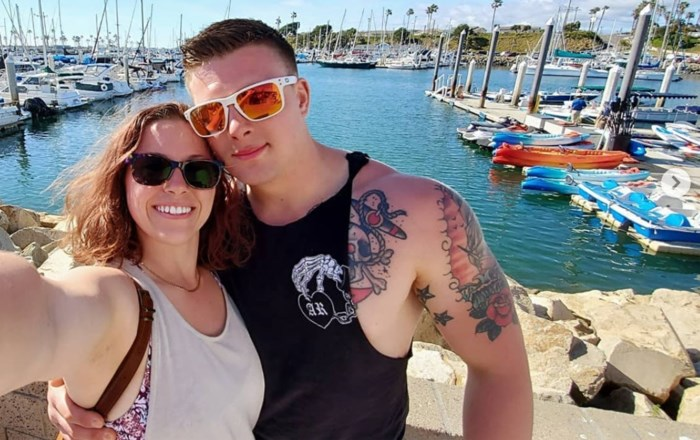 John struikelde met zijn vrouw in zijn armen, ze overleed vijf dagen later