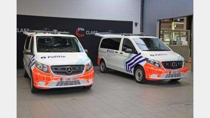 Twee nieuwe Mercedes combi's voor politiekorps