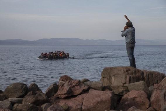 Griekenland wil met drijvende dam migranten tegenhouden
