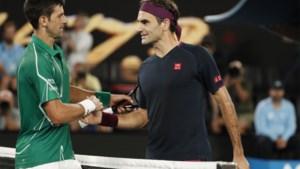 Ook Federer kan Djokovic niet stoppen: Serviër in drie sets naar de finale