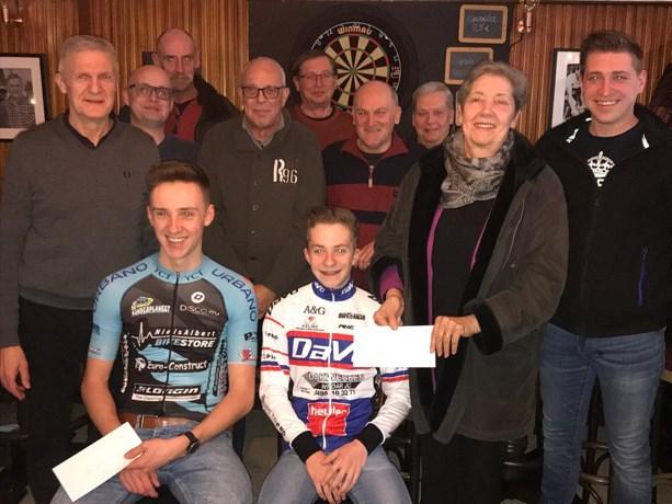 Wielerclub steunt plaatselijke renners