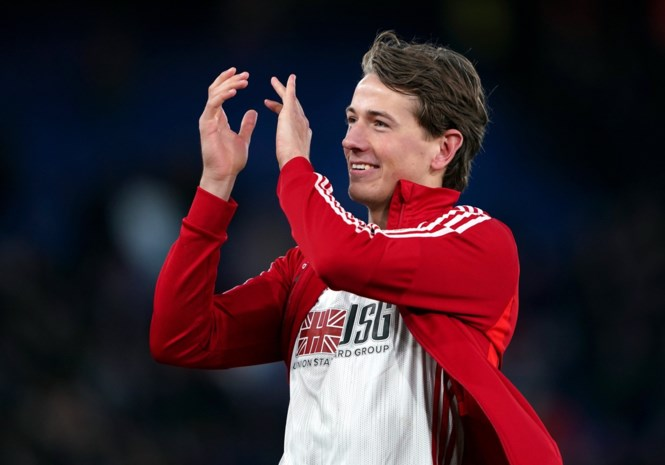 """Miljoenenaankoop Sander Berge is meteen een hit (letterlijk) bij fans van Sheffield United: """"Ik kreeg er kippenvel van"""""""