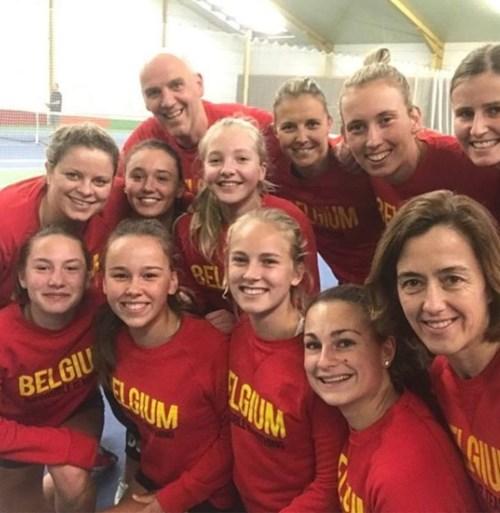 """Kim Clijsters traint mee met Belgisch Fed Cup-team en deelt kiekjes op Instagram: """"Het was leuk"""""""