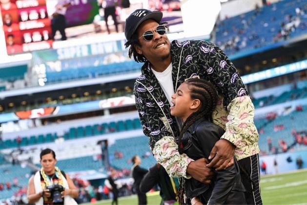 Achtjarige Blue Ivy Carter gaat met alle aandacht lopen tijdens Super Bowl