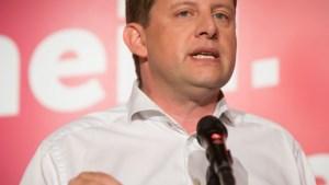 """John Crombez (SP.A): """"Elke dag dat er niet bewogen wordt, is een stap dichter bij nieuwe verkiezingen"""""""