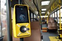 Afghaanse asielzoeker randt zeventienjarige aan op bus