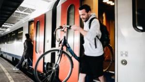 """Open Vld: """"Verplicht NMBS om fietswagon beter aan te duiden"""""""
