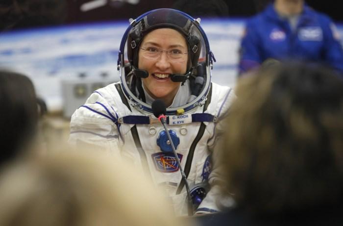 Langste ruimtereis van een vrouw is na bijna een jaar ten einde