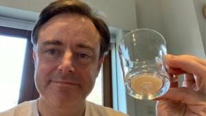 """Bart De Wever steekt de draak met verzender verdachte brief: """"Pannenkoeken zullen smaken"""""""