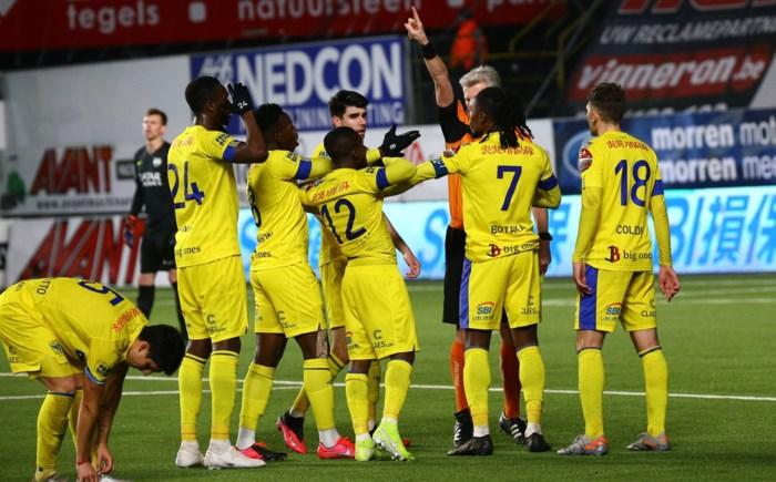 """Onze spelersbeoordeling na STVV - Eupen: """"Asamoah bewees dat hij een basisstek dik verdient"""""""