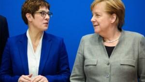 Merkels kroonprinses wil niet langer op troon