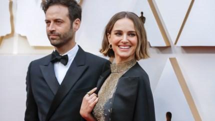 Natalie Portman maakt statement met haar cape