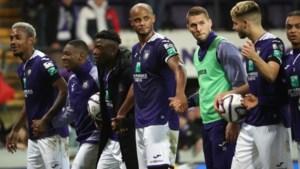 Belgische voetballers verdienen te veel