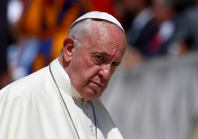 Paus houdt de deur dicht voor gehuwde priesters