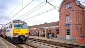 Waaghals mist rit en springt dan maar voor de trein
