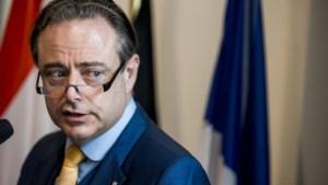 Formatie richting kookpunt: De Wever en Magnette schieten met scherp