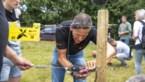 Wolf Fencing Team zoekt vrijwilligers: Friese politicus vraagt hek om wolf weg te houden
