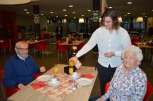 Valentijn schiet zijn pijlen af in het woon-zorgcentrum Gerkenberg