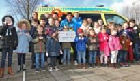 Basisschool PAleiS  schenkt 1.670 euro aan Ambulance Wens