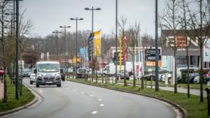 """OPINIE. """"Als we nieuwe sporthallen, veilige fietskruispunten en wegen willen, dan zal iedereen een duit in het zakje moeten doen"""""""