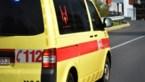 Vrouw in Nederland raakt waarschijnlijk door rukwind van de weg en overlijdt