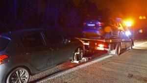 Tiental voertuigen beschadigd door overstekend everzwijn