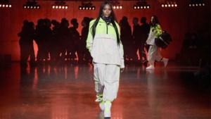 Naomi Campbell mag op 49-jarige leeftijd show van Tommy Hilfiger openen
