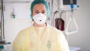"""Twee topdokters gestorven aan coronavirus: """"Het probleem? Dat er geen vaccin is"""""""