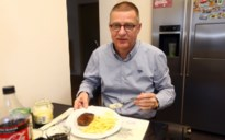"""Hub eet al 37 jaar lang elke dag biefstuk met frieten: """"Ik krijg niets anders binnen"""""""